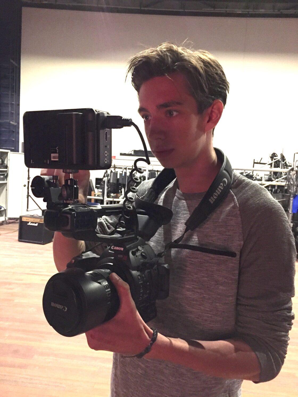 Jordy met filmcamera